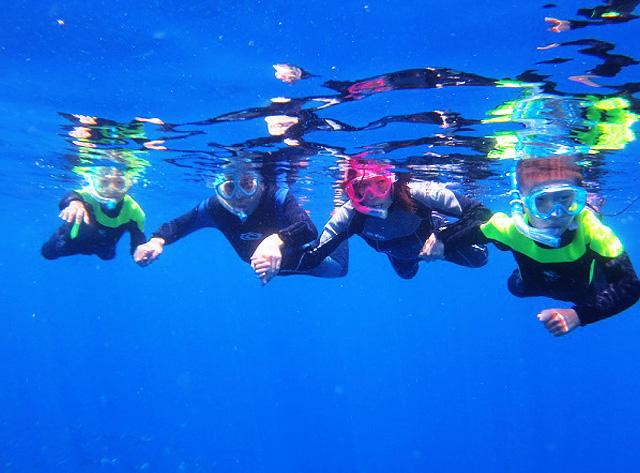 藍色洞穴船潛航